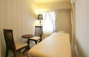 702号室 ベッド