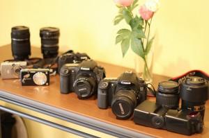 いろいろな種類のカメラの写真