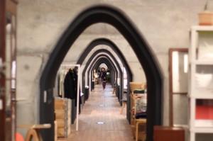高架下はトンネルでつながっています。