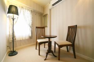 ローラアシュレイの家具を使用した702号室