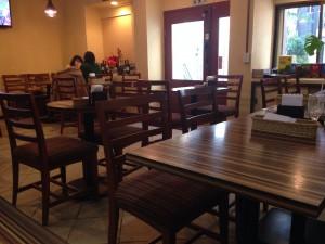 カフェ風な内装で居心地のいい空間