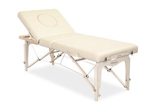 様々な施術に対応できるベッドです。