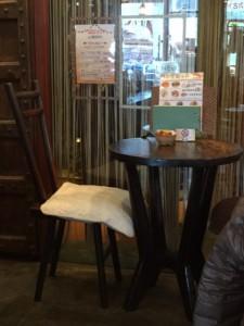 アジアンブリーズのいすとテーブル
