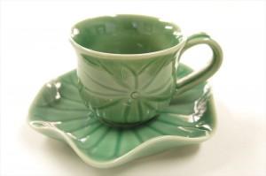 ジェンガラケラミックのカップ&ソーサー