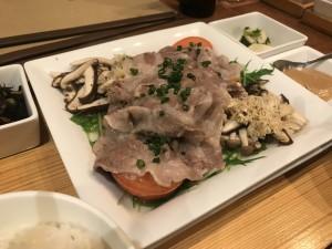 豚肉とお野菜を蒸した一品